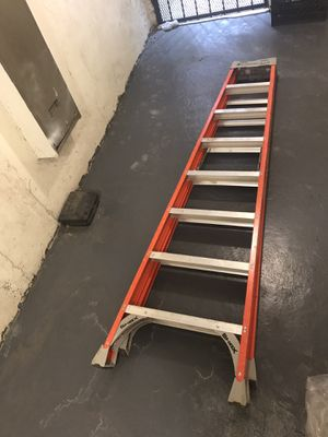 8 foot construction ladder for Sale in The Bronx, NY