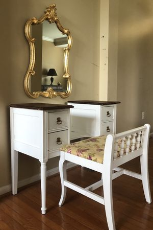 Vanity table for Sale in Gainesville, VA