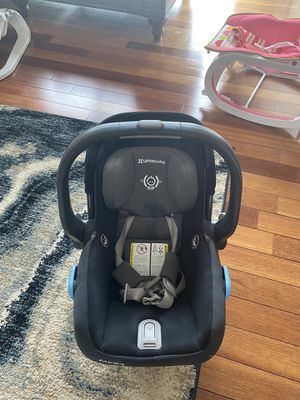 Uppa baby car infant car seat for Sale in Farmington Hills, MI