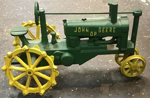Vintage John Deere Toy Tractor for Sale in Hickory Hills, IL