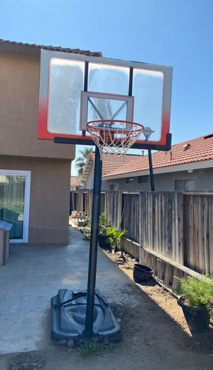 Basketball hoop. Sports. Basketball. Sports equipment. for Sale in Moreno Valley, CA
