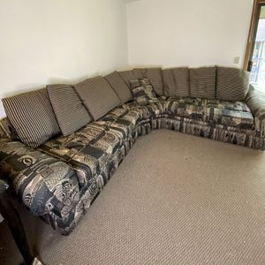 Geometric print Sectional sofa Washable cushions, Many Pillows for Sale in Gresham, OR