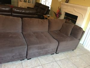 8 brown sectional couch for Sale in Tracy, CA