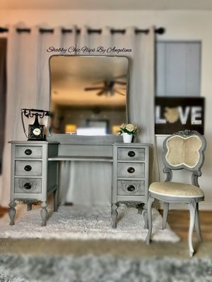 Refinished vintage vanity with the antique vanity chair for Sale in Clearfield, UT
