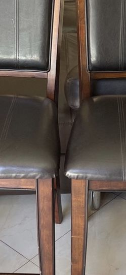 Beautiful Chairs Very Clean An Good Condition for Sale in Diamond Bar,  CA