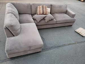 Sectional couch, size 7by10ft, Costco for Sale in Seattle, WA