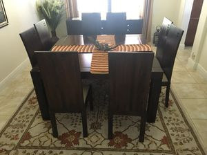 Dining table for Sale in Pembroke Pines, FL
