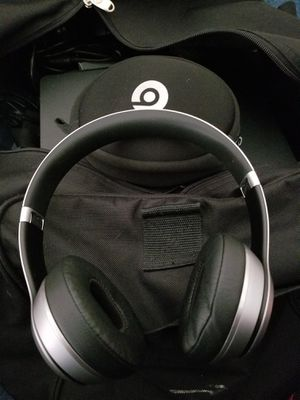 Silver beats wireless solo 3 for Sale in San Francisco, CA