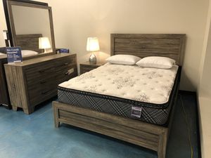 Grey Queen bedroom Set for Sale in Albuquerque, NM