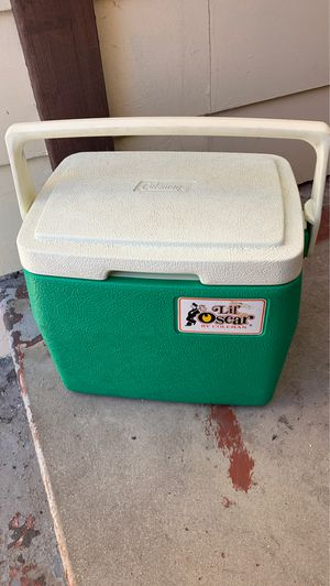 Small cooler for Sale in Oceanside, CA