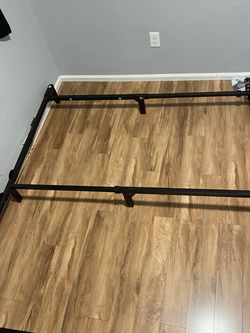 Metal Bed Frame for Sale in Puyallup,  WA