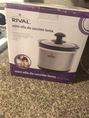Mini crockpot for Sale in Mesquite, TX