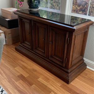 Side Board With Glass Top for Sale in Vallejo, CA