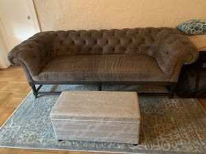 HD Buttercup - Cooper Leather Loveseat for Sale in San Francisco, CA