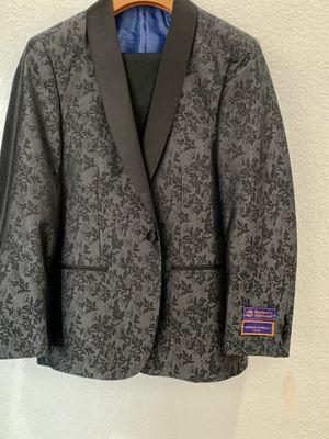 Tuxedo for Sale in Santa Clarita, CA