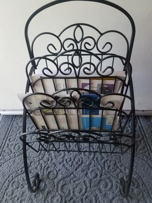 Raca para poner revistas for Sale in Fontana, CA