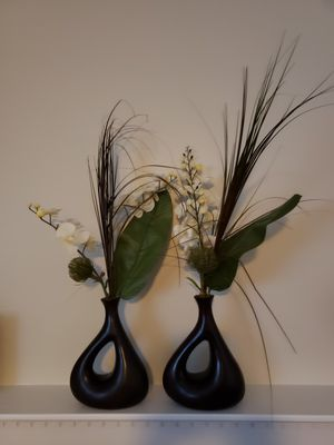 Decorative flowers with wood vase for Sale in Ellicott City, MD