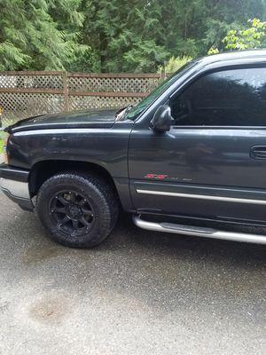 2005 chevy Silverado 1500 4 door for Sale in Maple Valley, WA