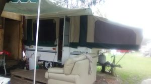 Closed camper trailer. for Sale in Houston, TX