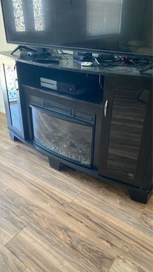 fireplace stand... nooo tv for Sale in New Port Richey, FL