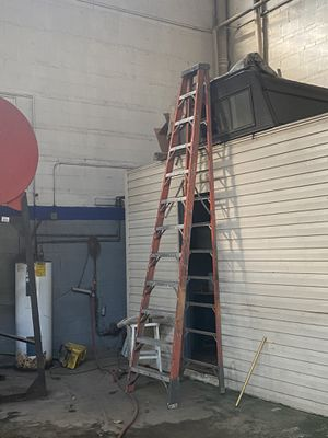 12 ft ladder for Sale in Cicero, IL