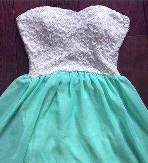 Strapless mint green prom dress size XS for Sale in Daly City, CA