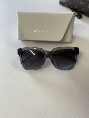Micheal kors Sunglasses for Sale in Memphis, TN