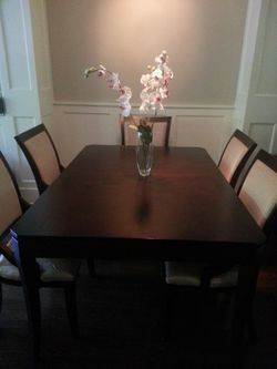 Extendable dining set with 6 chairs. $850 firm. Read details in description first. for Sale in Seattle,  WA