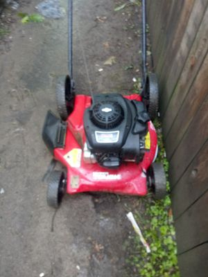 Lawn mower for sale I got enough so just selling it for 80$ for Sale in Fort Wayne, IN