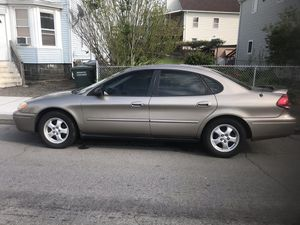 Ford 2005 Taurus , Clean inside & out clean title ! I'm the second owner settling for 1200 for Sale in Shelton, CT