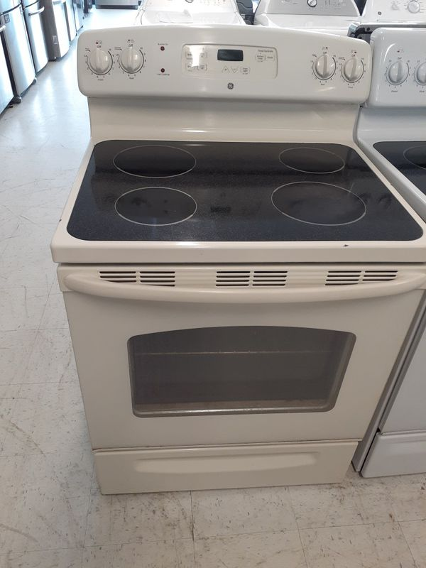 Ge electric stove in good condition with 90 day's warranty