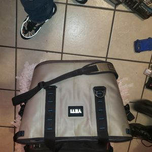 Yeti cooler for Sale in Oklahoma City, OK