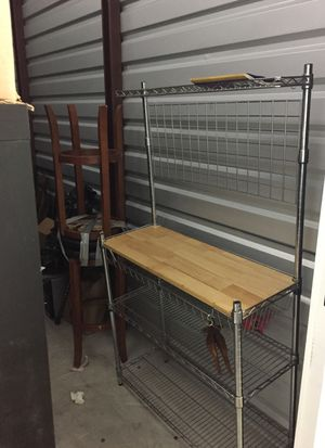 Apartment size Baker's rack.. can hang alot of cookware for Sale in Lakewood, CO