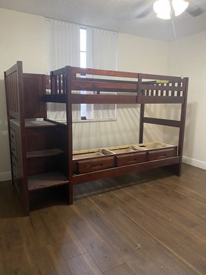 Bunk beds twin wood good condition for Sale in Fort Lauderdale, FL