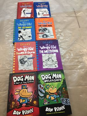 Diary of a wimpy kid and dog man(6)hard back( 2)paper bag for Sale in Hayward, CA