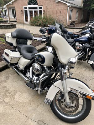 2013 Harley Davidson Ultra Classic like new for Sale in Laurel, MD