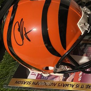 Signed Mini Helmet Chad Ocho Cinco Jsa Cert for Sale in Holiday, FL