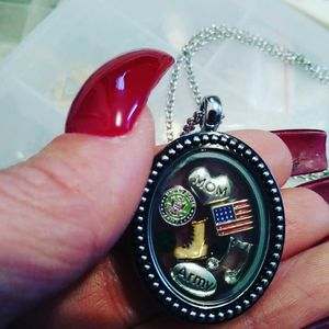 Army mom locket necklace $19 for Sale in Lakewood, CA