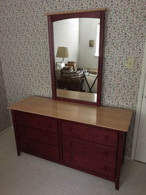 Bedroom Set (Dresser, Mirror, Night Stands, and Drawer Chest) —PENDING PICKUP for Sale in San Carlos, CA