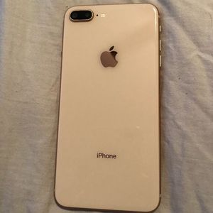Unlocked iPhone 8 Plus for Sale in Lynchburg, VA