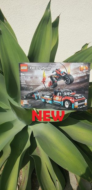 SEALED - LEGO Technic Stunt Show Truck & Motorcycle Bike 42106 Motorbike, pickup truck and trailer, and ring of fire included. With pull-back control, for Sale in Ventura, CA