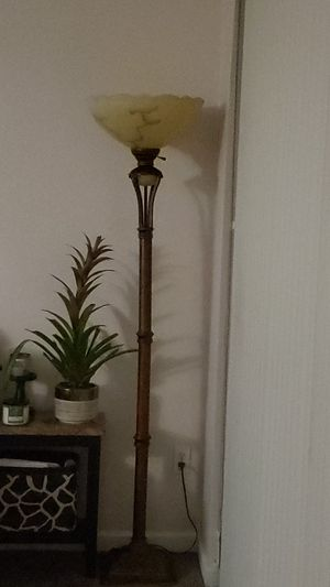 Torch floor lamp for Sale in Kissimmee, FL