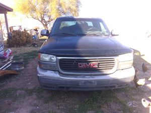 Parting out 2000 GMC Sierra for Sale in Coolidge, AZ