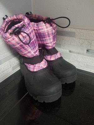 Girls size 3 snow boots for Sale in Portland, OR
