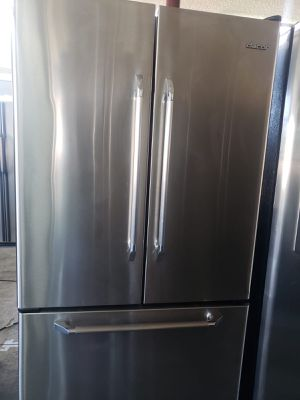 Dacor Refrigerator Fridge With Icemaker Counter Depth #828 for Sale in Ontario, CA