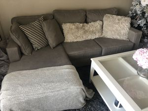 Gray couch adjustable right and left sides for Sale in Los Angeles, CA