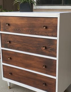 Beautiful 4-Drawer Mid-Century Modern Dresser for Sale in Corona,  CA