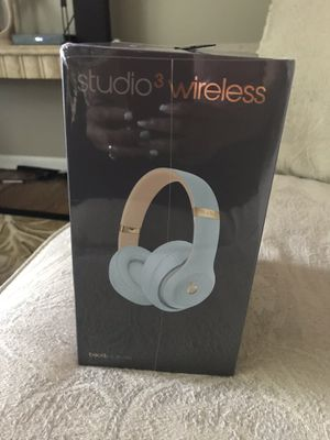 Beats Studio 3 Wireless Headphones (Skyline Collection) Crystal Blue for Sale in Reynoldsburg, OH