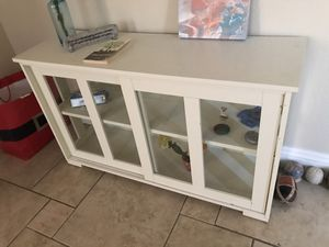 White shelve with glass doors for Sale in Henderson, NV