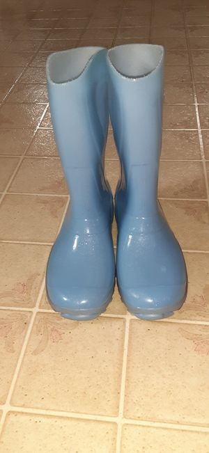 Rain boots size 33 for Sale in Fairfield, CT